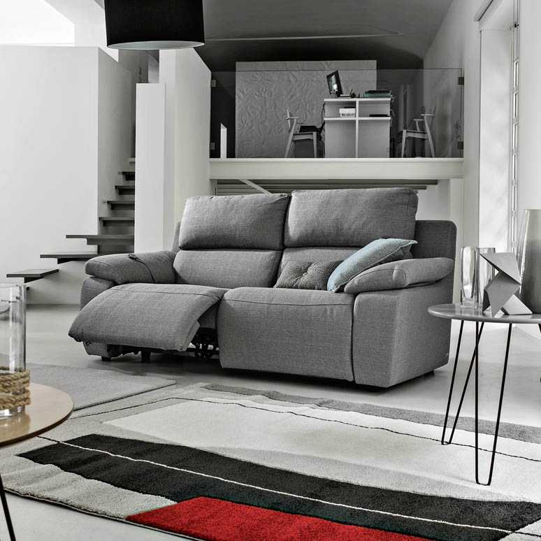 Divani e sofa emejing sofa e images skilifts us thesofa for Poltrone max relax