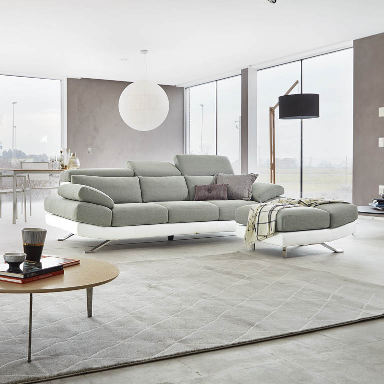 Poltrone e sofa milano negozi for Poltrone design milano