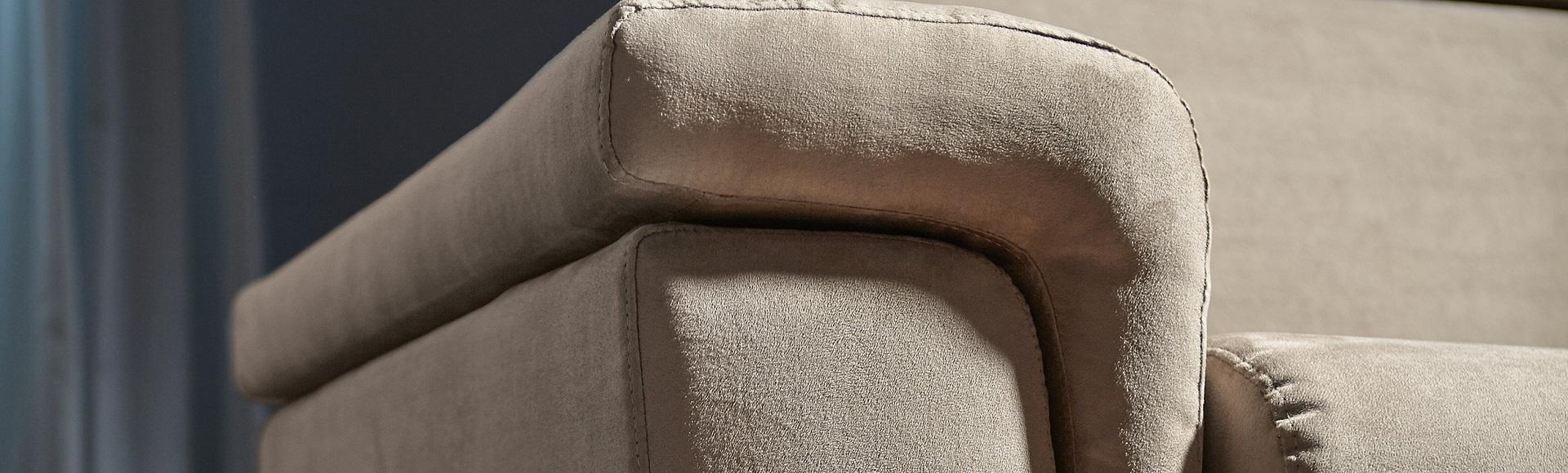 pulizia divano microfibra poltrone e sofa